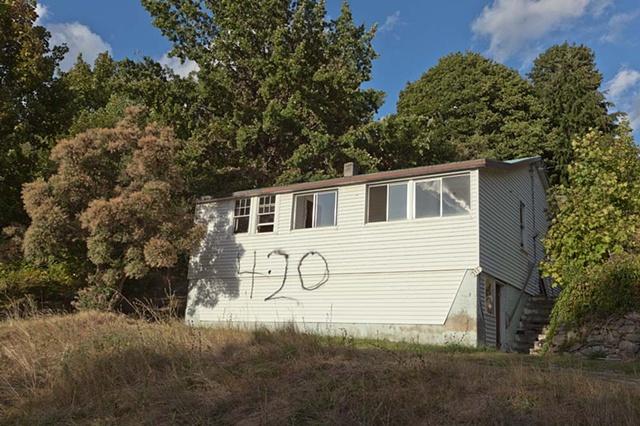 Nelson, British Columbia, BC, number, marking, house, abandoned
