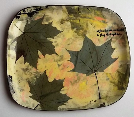 dinner plate with leaves