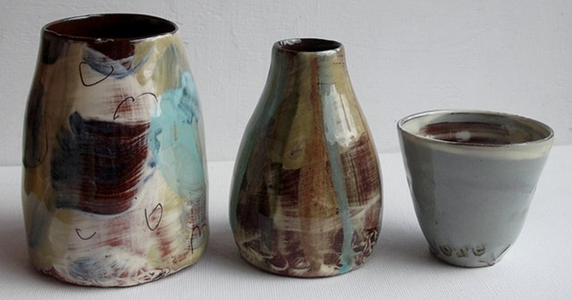Small vases and cups