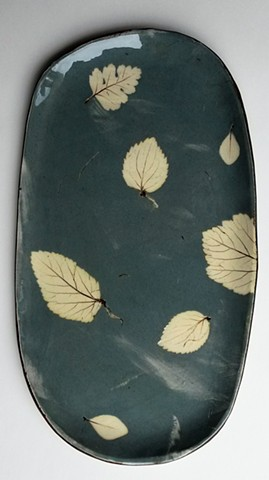 small platter with leaves