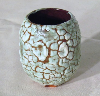 Egg form with crawling glaze