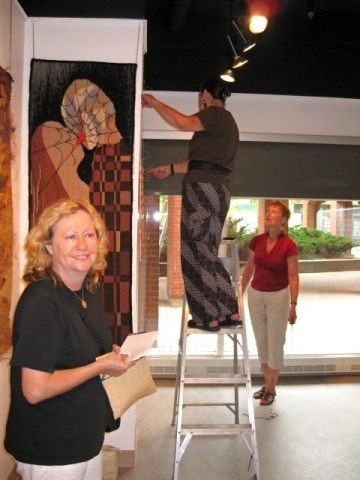 setting the exhibit