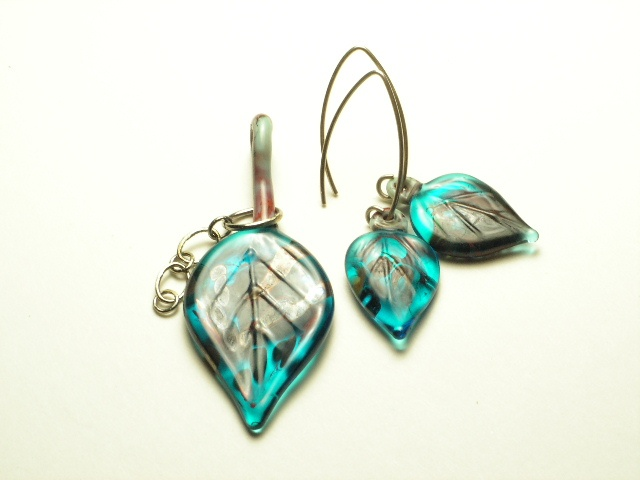 Peacock Blue Leaf Pendant w/ matching earrings