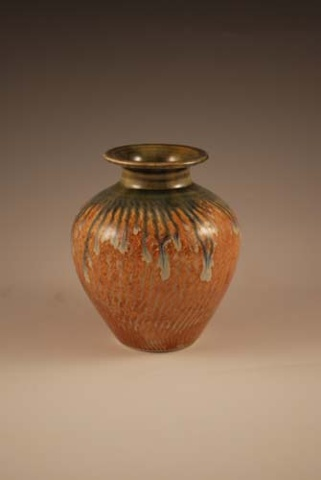 Small Red-gold Vase