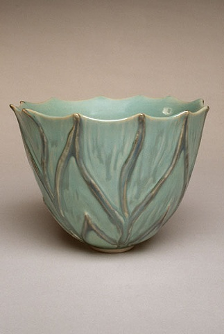 Green carved leaf bowl