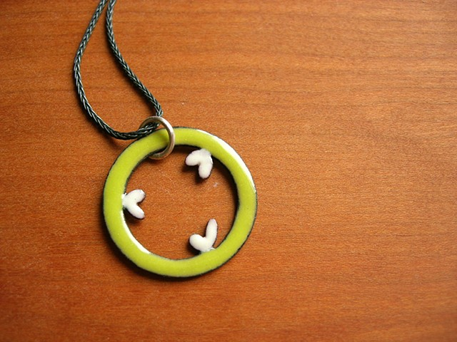 tri-parietel circle necklace