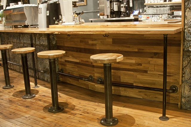 Long Bar 3