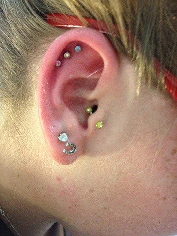 cartilage piercing, multiple cartilage piercings