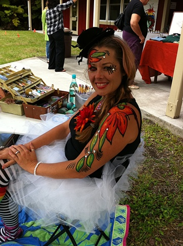 Princess Rose at a party. To schedule an event date and to discuss fees, send an e-mail message early.  Contact her at : bigislandfacepainter@gmail.com or hawaiifacepainter@yahoo.com