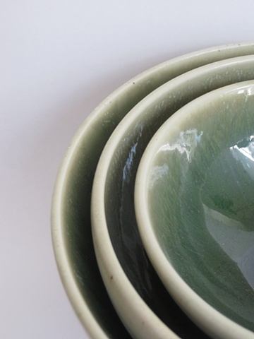 green+cream nesting bowls: detail