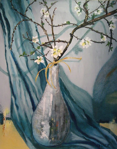 Quince in vase with blue background