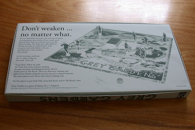 Grey Gardens Board Game (box bottom)
