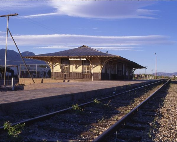 mata ortiz train station
