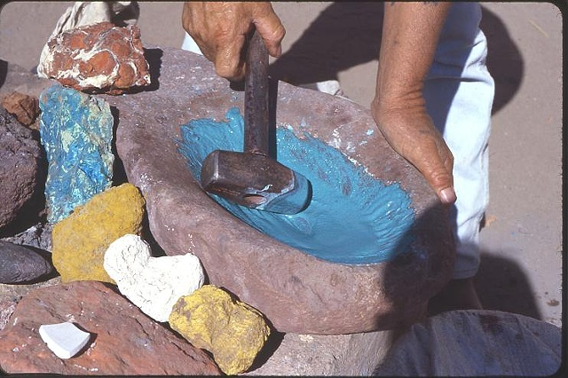 Juan Quezada Grinding minerals for paint