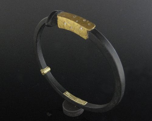 """""""Collar Bracelet"""""""