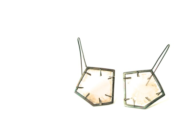 E-HEXMICA hex-shaped oxidized silver earrings with mica inset.