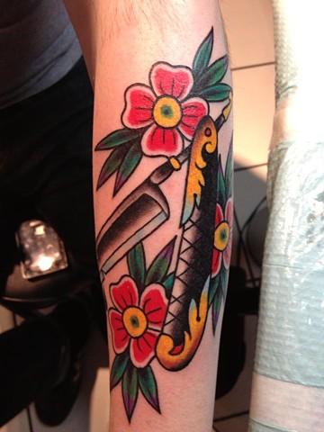 straight razor tattoo
