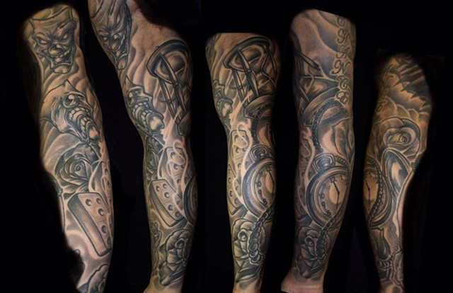 Hourglass black and grey sleeve