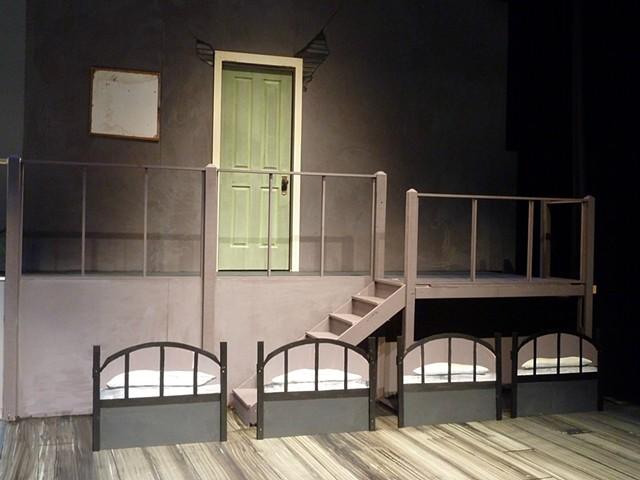 Annie set, 'orphanage'