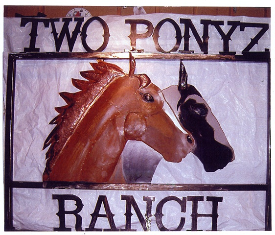 Two Ponyz Ranch sign