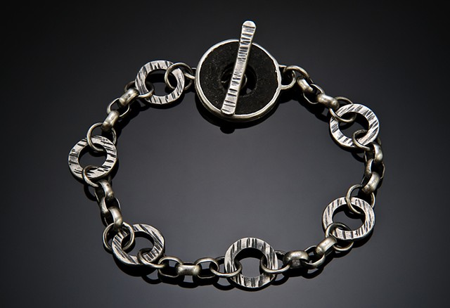 Bracelet with washer toggle
