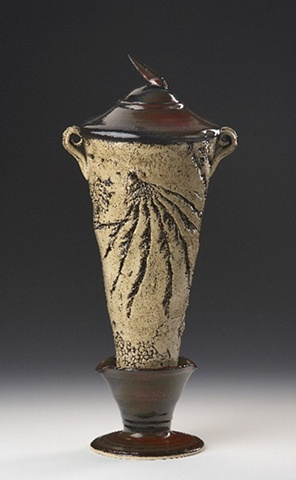 Textured Cone Vassel With Lid