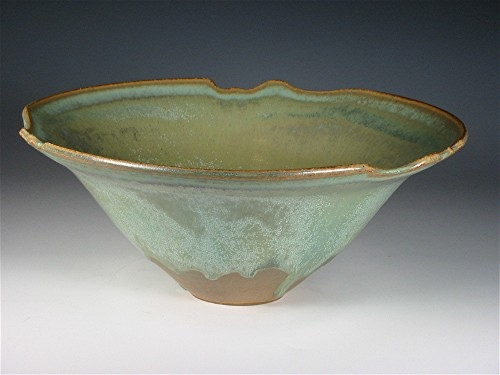 Carved Rim Bowl  -  Green Crystal