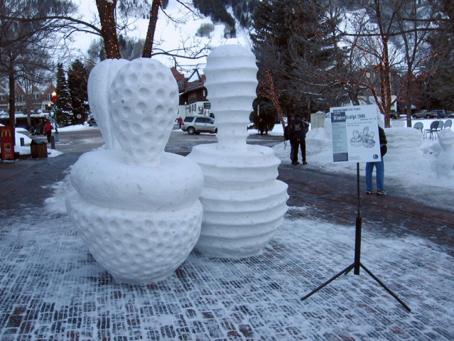 WOBBLE TOPS WINTERSCULPT 2006