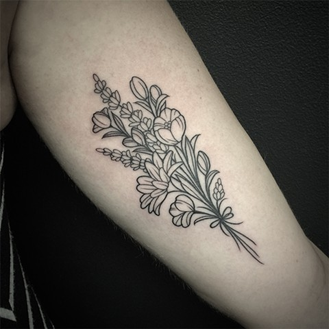 Liney Bouquet Inner Arm