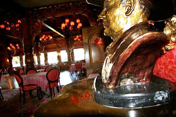 Madonna Inn, San Luis Obisbo, Gold Rush steakhouse