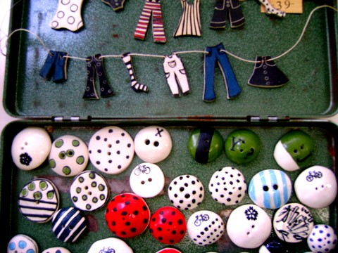 Porcelain buttons and clotheslines