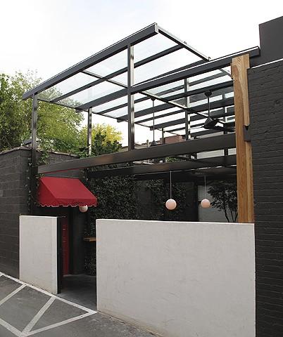 Lantern Outdoor Dining Room