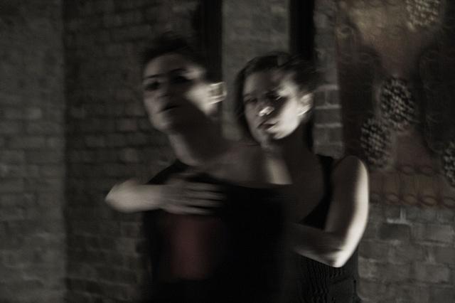 Amanda Schoofs intersiciplinary experimental vocal performance