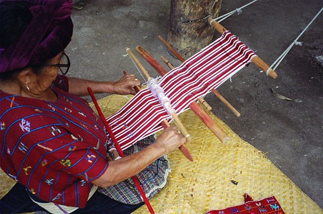 Martina Matzar weaving, Santa Catarina Palopo, 2010