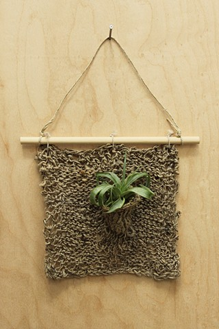 knit plant pocket