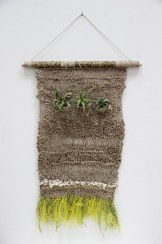 triple pocket wall hanging