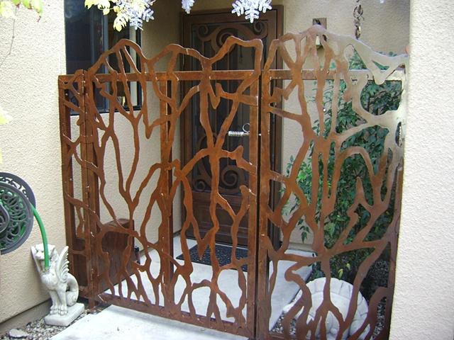 Stencil Gate