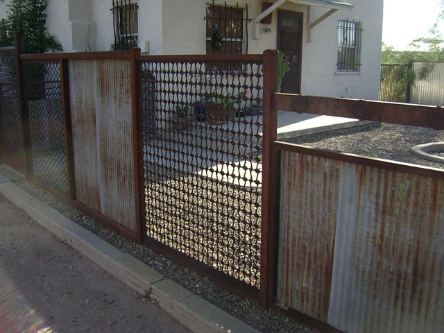 Salvage fence