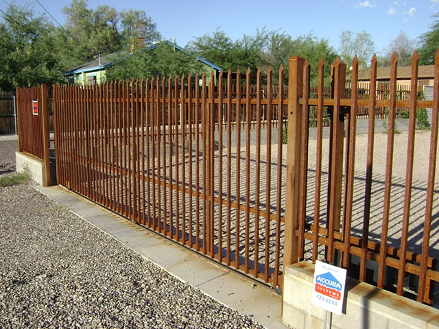 Picketed Roll Gate