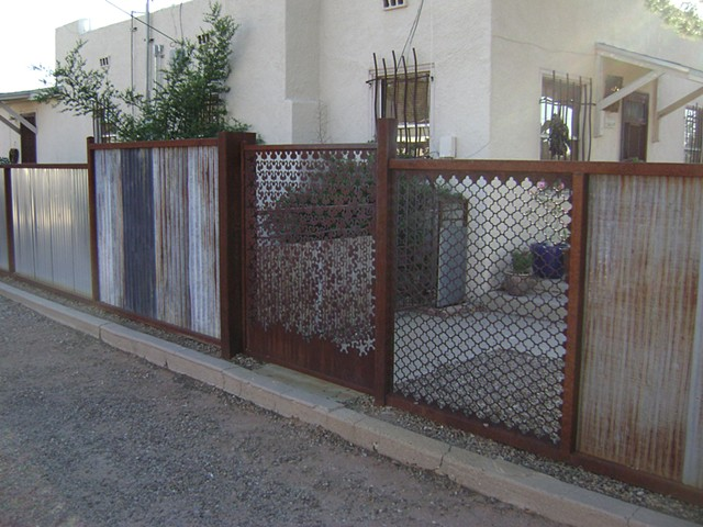 Salvage fence