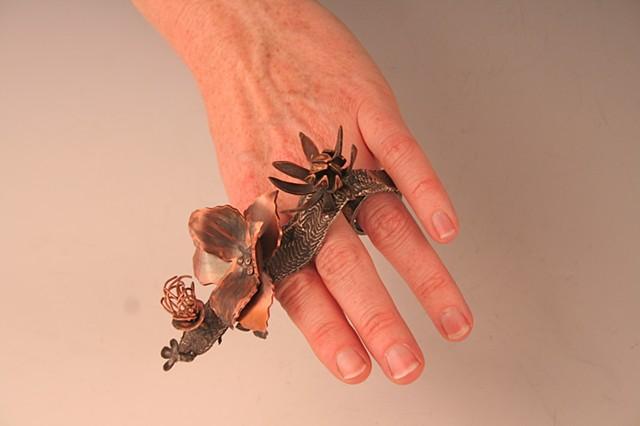 Left Hand: Receiving      (flowers: ambrosia, traveler's joy, allspice, mossy saxifrage)