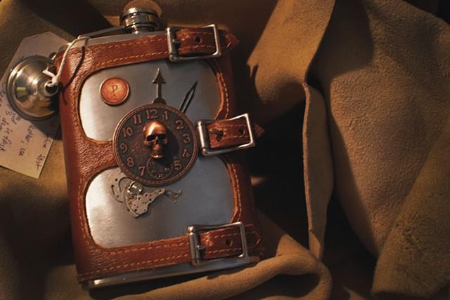 SkullHead Flask Set