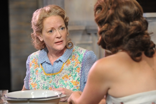 ALL MY SONS Everyman Theatre/ David Burdick, costume designer photo by Stan Barouh