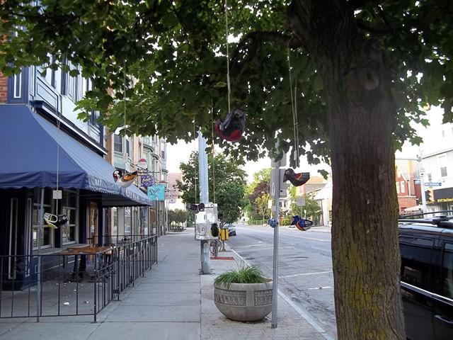 Street Piece: Motivational Migration