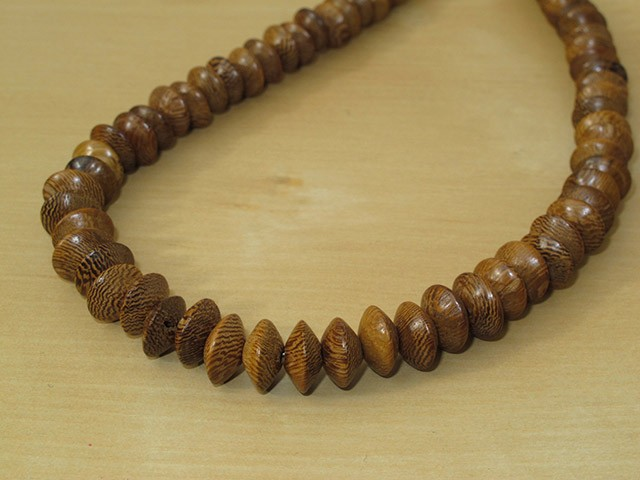 Robles Wood Saucer Necklace