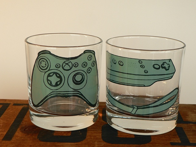 glass tumbler screen printed by hand with image of xbox controller and wii remote