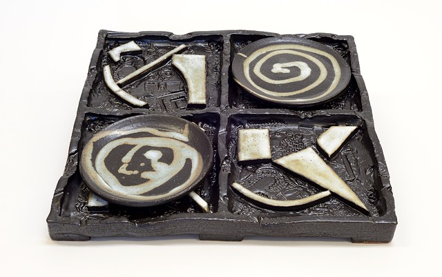 Black & White Abstract Tray w/ Plates (alt. view)