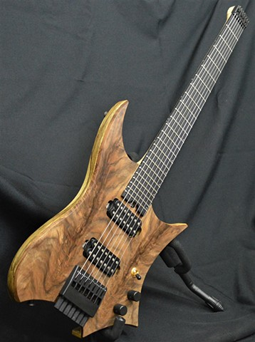 Headless Walnut 7-String
