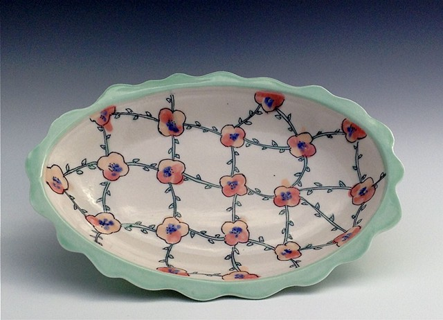 Scalloped Bloom Platter