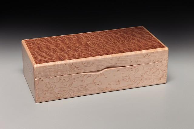 Chris Kamm Glarner Design hinged, inlaid wood decorative box